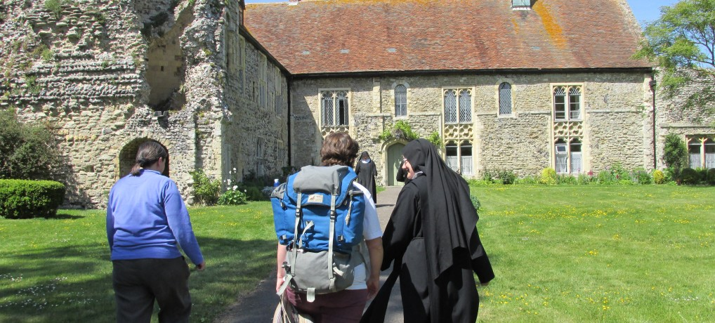 Baggage Transfer, Accommodation Booking and Pilgrimage Services