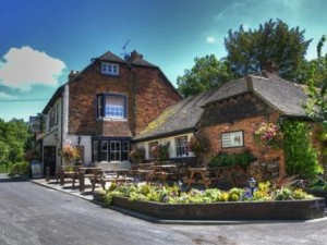 the-black-horse-inn-thurnham